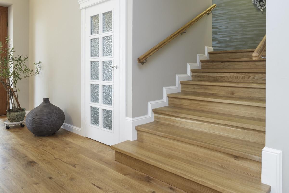 escaliers rustiques en bois