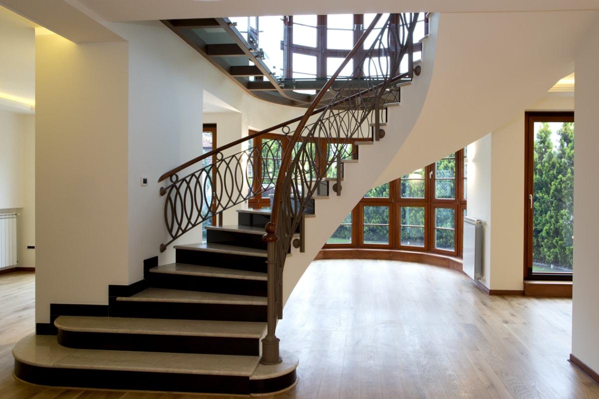 escaliers rustiques en marbre