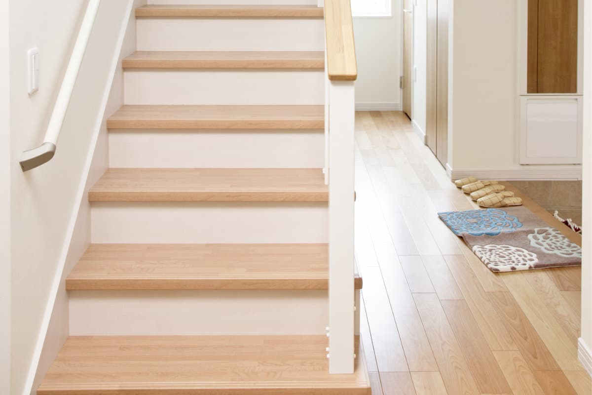 escalier bois hetre