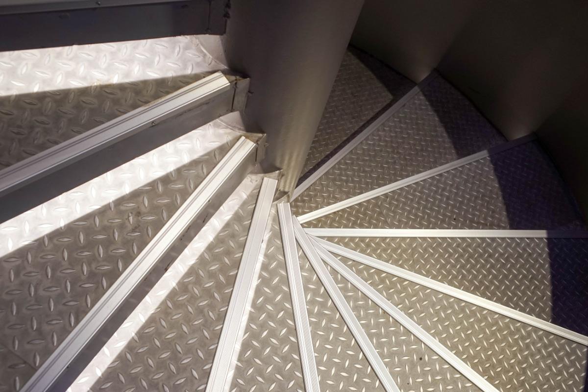 escalier helicoidal tole